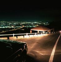 焼津市と東名高速の夜景 02350001255| 写真素材・ストックフォト・画像・イラスト素材|アマナイメージズ