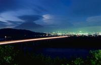 富士山と富士市街を望む夜景
