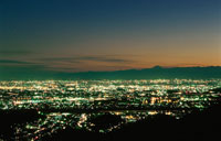 足利市の夜景 02350001344| 写真素材・ストックフォト・画像・イラスト素材|アマナイメージズ