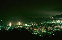 小樽湾と小樽市街の夜景