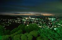 城山公園から館山市街を望む夜景 02350001460| 写真素材・ストックフォト・画像・イラスト素材|アマナイメージズ