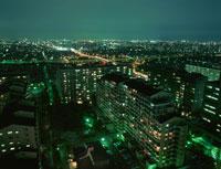 浦安のマンション群と葛西の夜景 02350001468| 写真素材・ストックフォト・画像・イラスト素材|アマナイメージズ