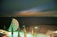 海ほたるから川崎を望む夜景 02350001482| 写真素材・ストックフォト・画像・イラスト素材|アマナイメージズ