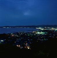 城山公園から館山市を望む夜景 02350001502| 写真素材・ストックフォト・画像・イラスト素材|アマナイメージズ