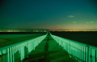美浜区の遊歩道から見た夜景 02350001509| 写真素材・ストックフォト・画像・イラスト素材|アマナイメージズ