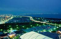 幕張から東京湾を望む夜景 02350001518| 写真素材・ストックフォト・画像・イラスト素材|アマナイメージズ