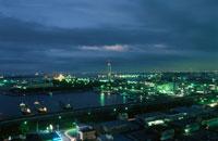 千葉ポートタワーを望む夜景 02350001521| 写真素材・ストックフォト・画像・イラスト素材|アマナイメージズ