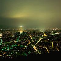 エッフェル塔とアンヴァリッド周辺の夜景
