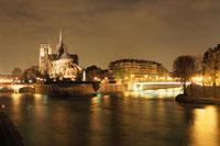 ノートルダム大聖堂とセーヌ川