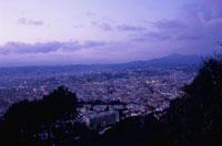 モンテアルバンから眺めるニースの街 02350001696| 写真素材・ストックフォト・画像・イラスト素材|アマナイメージズ