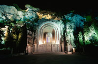 城跡のある丘のライトアップ 02350001706| 写真素材・ストックフォト・画像・イラスト素材|アマナイメージズ