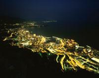 モナコ港とモンテカルロの夜景