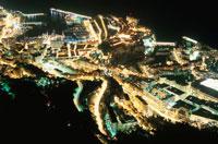 モナコ港と大公宮殿の夜景 02350001736| 写真素材・ストックフォト・画像・イラスト素材|アマナイメージズ
