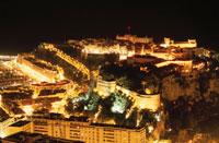 大公宮殿と歴史博物館の夜景