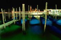 サンマルコ運河とサンジョルジョマッジョーレ教会の夜景