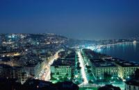 ポジリポの丘から眺めるナポリの夜景