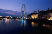 ウエストミンスター橋から見るロンドンアイ