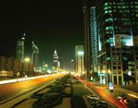 シェイクザイードロードの高層ビル群の夜景