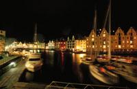 港と街並み