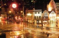 雨の降るベルゲンの街並