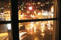 窓枠と夜景