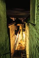 路地と夜景
