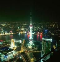 金茂大廈から見た東方明珠塔の夜景