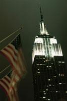 エンパイア・ステート・ビルと星条旗