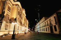 チラデンテス宮殿のライトアップ