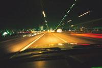明石海峡大橋を走る車