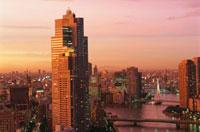 勝どきから望む中央大橋と永代橋方面の夜景