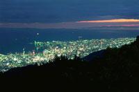 麻耶山掬星台から望むハーバーランド方面の夜景