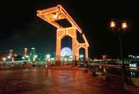 神戸ハーバーランド  はねっこ広場の夜景