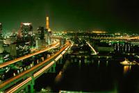 阪神高速と神戸湾岸の夜景