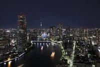 勝どきより望む隅田川と東京スカイツリーの夜景