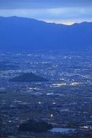 龍王山から望む奈良盆地と大阪・神戸方面の夕景