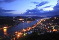 浄土寺山展望台から望む尾道市街と尾道水道の夜景