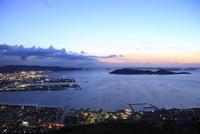 屋島から望む高松市街と瀬戸内海の夜景