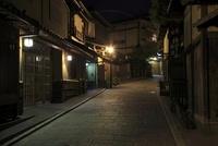 京都・産寧坂付近の夜景