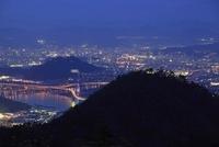 絵下山から眺める広島市街と広島湾の夜景