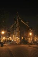 アムステルダムの町の夜景