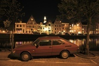 赤い車とハーレムの夜景 02350003119| 写真素材・ストックフォト・画像・イラスト素材|アマナイメージズ