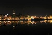 アムステルダム郊外の水辺の夜景 02350003120| 写真素材・ストックフォト・画像・イラスト素材|アマナイメージズ
