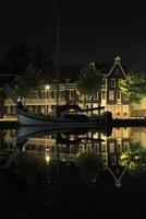 アムステルダム郊外の水辺の夜景 02350003121| 写真素材・ストックフォト・画像・イラスト素材|アマナイメージズ