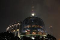 東方明珠塔と上海国際会議中心の夜景
