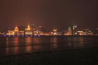 濱江大道より望む黄浦江と外灘(バンド)の夜景