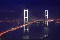 鍋島山から望む白鳥大橋の夜景
