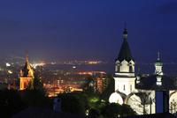 函館ハリスト正教会と函館湾の夜景