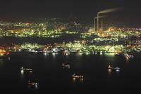 太華山から望む徳山湾と工場地帯の夜景
