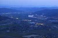 鏡山から眺める唐津市街の夕景